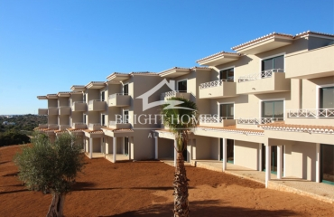 New 2 bedroom apartment in green valley between golf course and Ferragudo
