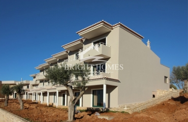 New 1 bedroom apartment in green valley between golf course and Ferragudo