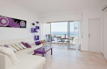 One bedroom apartment in prime location on Praia da Rocha on the south