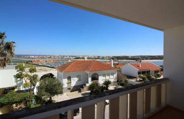Apartment in prime location Praia da Rocha with balconies on the north and south